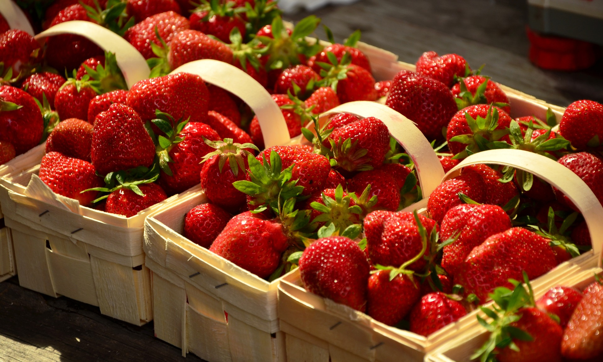 strawberries-1452717_1920